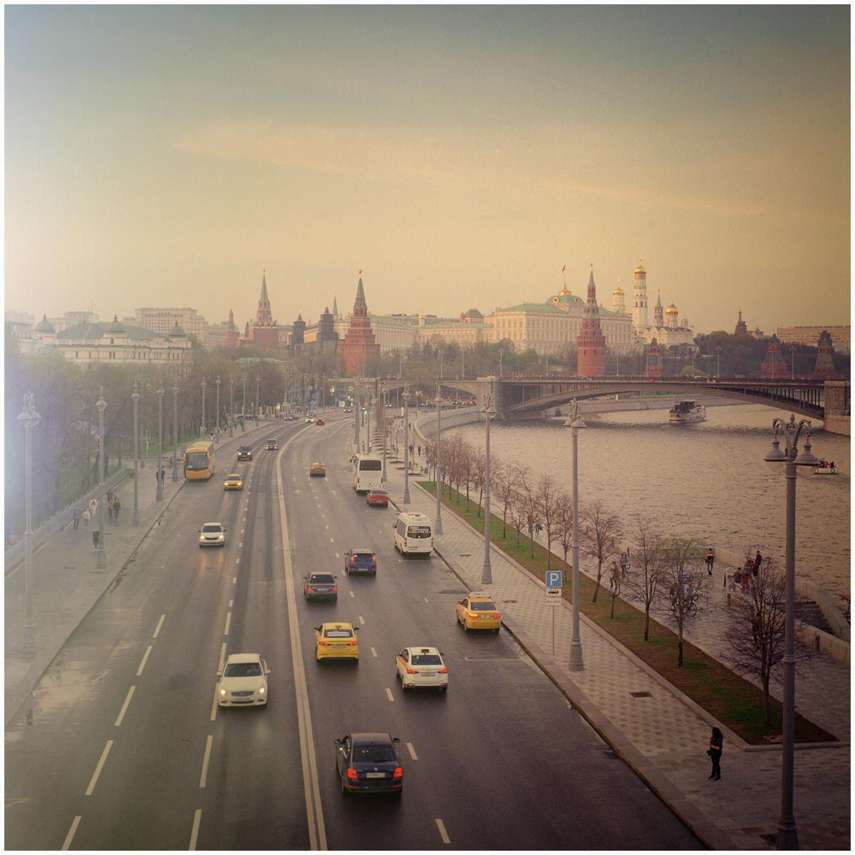Kremlin_Evening_Flare